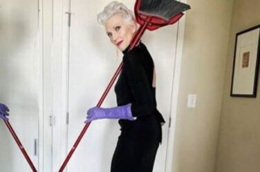 maye musk broomstick cleaning